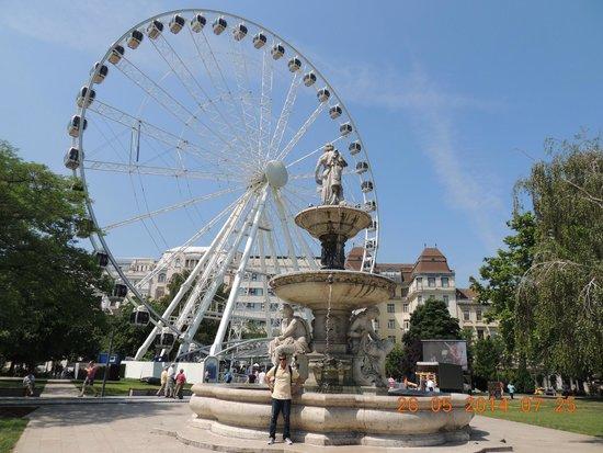 Place des Héros : Roda Gigante
