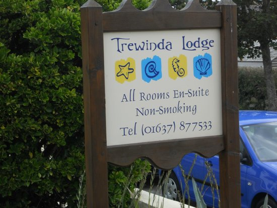 Trewinda Lodge : Sign at entrance