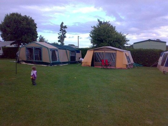 Parsons Green Holiday Park: Pitched up