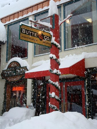 Butte & Co Ski & Snowboard Rentals