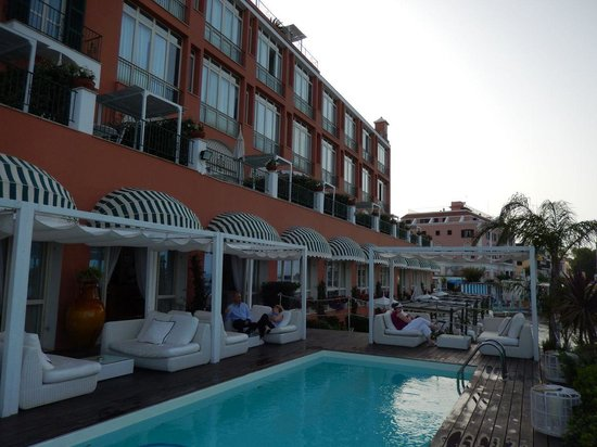 Miramare e Castello Hotel: drinks pool-side on the terrace