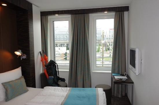 Motel One Berlin-Hackescher Markt : room