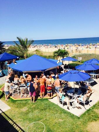 Princess Royale Resort: Outdoor bar n great drinks!