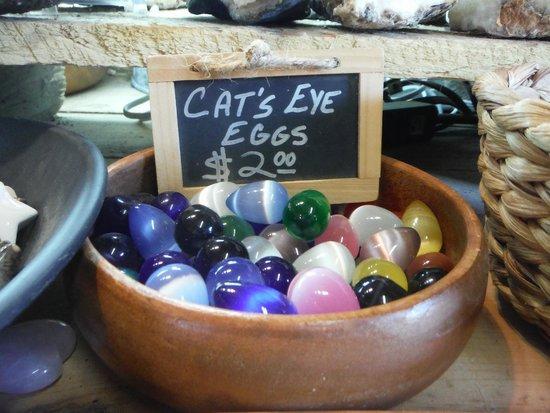 Elijah Mountain Gem Mine : Cat's Eye Eggs