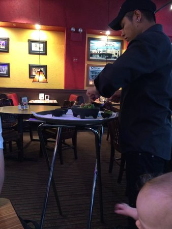 Chevys Fresh Mex : Guacamole made to order