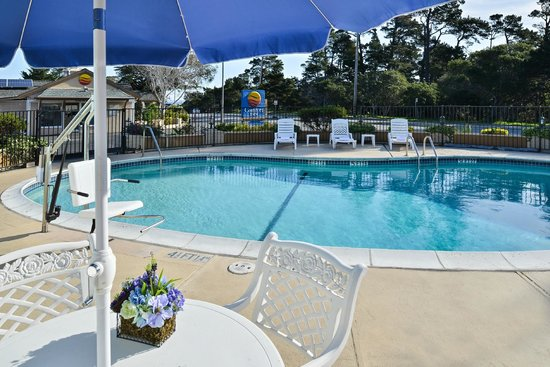 Comfort Inn Monterey by the Sea: Outdoor Heated Pool