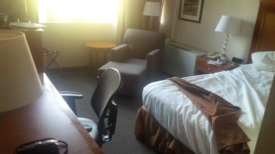 Holiday Inn Bangor-Odlin Road : room 142