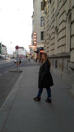 Austria Trend Hotel Savoyen Vienna : Ruas de Viena!