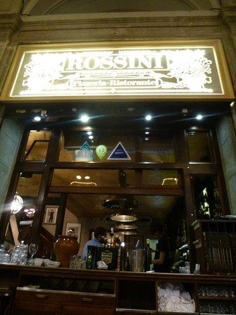 Rossini: Window to the bar