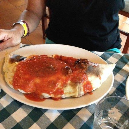 Il Baretto Italian Restaurant : Calzone...huge!!!