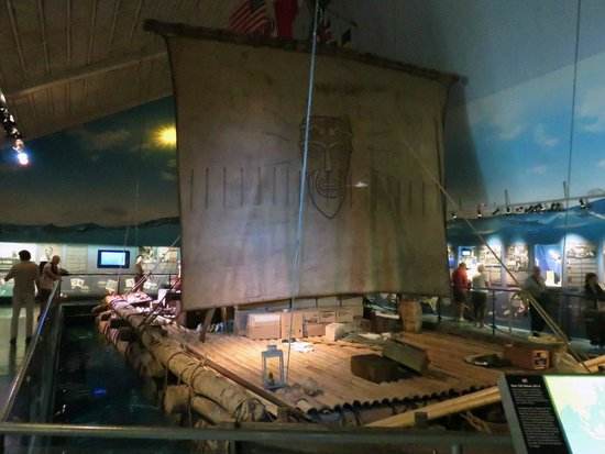 Kon-Tiki Museum: The actual Kon-Tiki balsa wood raft