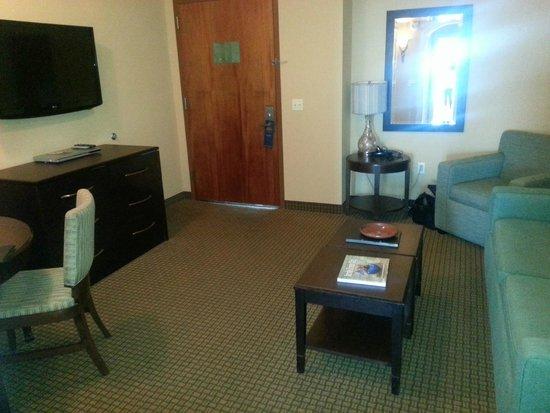 Hilton Suites Ocean City Oceanfront: Living Room