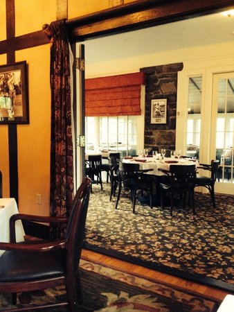 Club Grille Steak House: Beautiful Setting