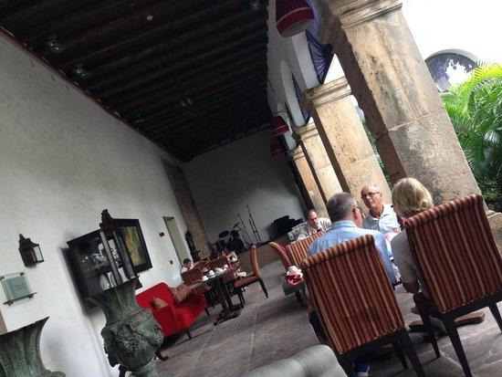Pestana Convento do Carmo: Área externa do Restaurante