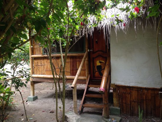 Viejamar Hostel: 4 bed cabin with private toilet