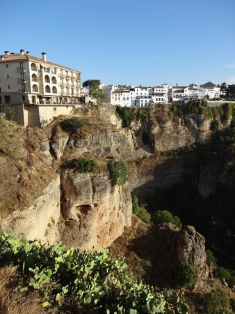Parador de Ronda: View of Parador Ronda - on left at top of cliff