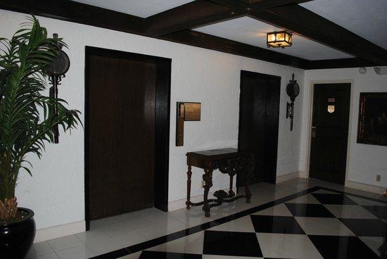 The Cheshire : Elevators