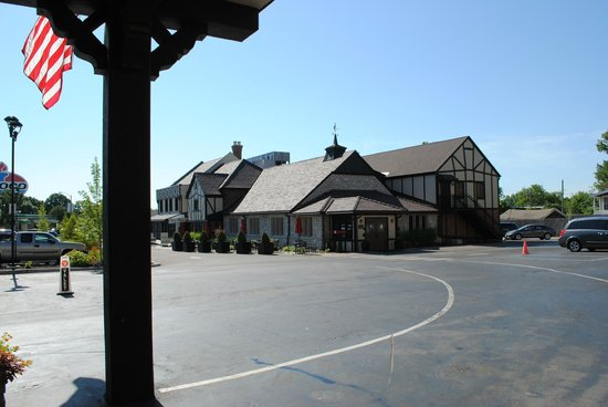 The Cheshire: hotel exterior