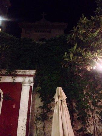 Wine-dark house: Notturno