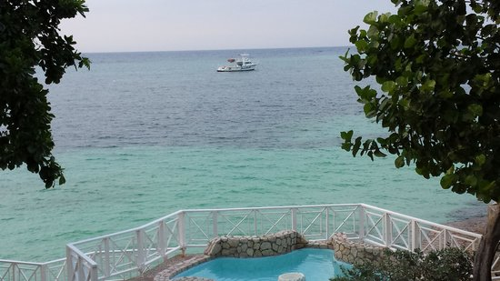 Sandals Montego Bay: View from 2nd floor Oceanview Rm