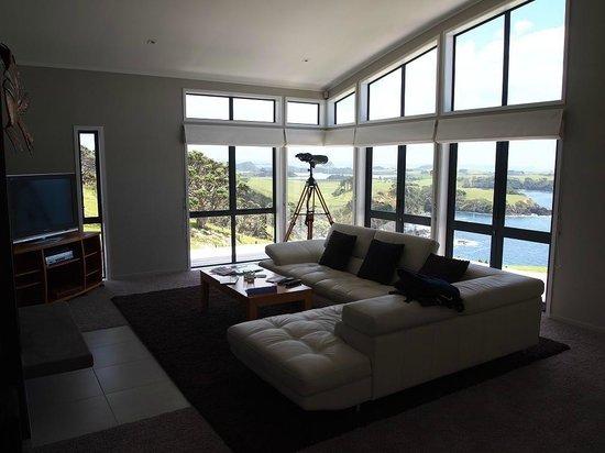 Ara Roa Accommodation - Whangarei Heads : living room view