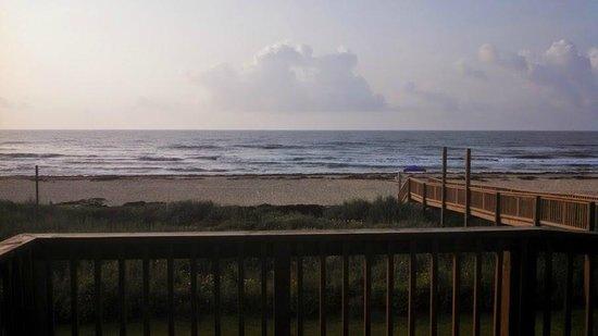Ocean Village Hotel: Nearing dusk at the beach