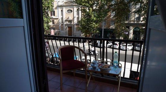 207 Inn: Balcony