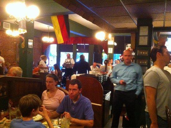 Schmidt's Sausage Haus und Restaurant : Schmidt's Scene