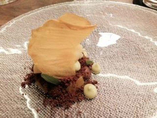 Quintonil : Mangos asados con chocolate, aguacate y nieve de aguamiel con mango