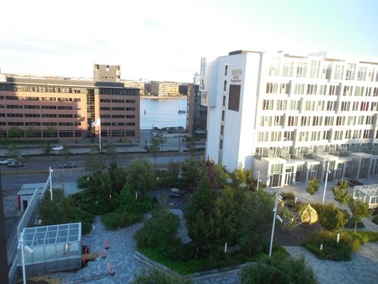 Wakeup Copenhagen Carsten Niebuhrs Gade : Vista desde la habitación del 3° piso.