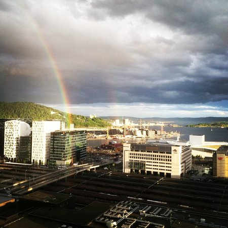 Radisson Blu Plaza Hotel, Oslo: View from our room on the 23rd floor