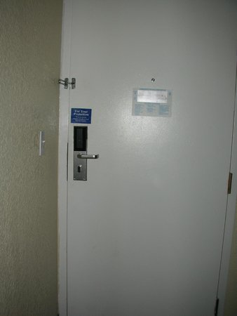 Motel 6 Los Angeles LAX: Door