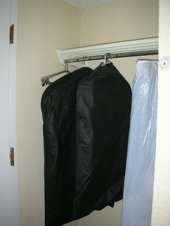 Motel 6 Los Angeles LAX: Closet
