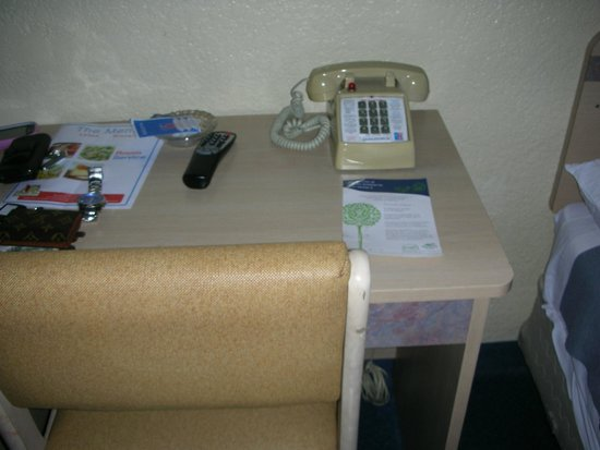 Motel 6 Los Angeles LAX: Desk
