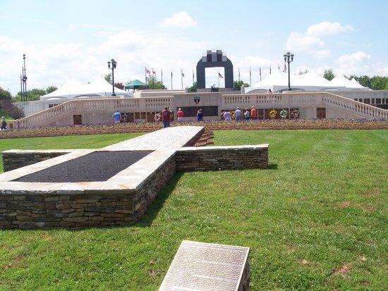 National D-Day Memorial: D-Day Memorial garden