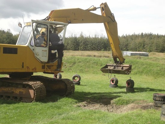 Rookin House Activity Centre: 10 year old JCB expert!