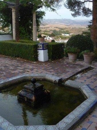 La Casa Del Rey Moro: View from garden
