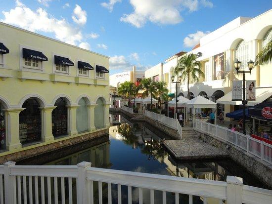 La Isla Shopping Village : Shopping La Islas