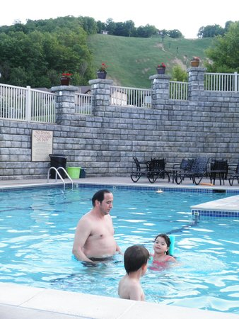 Mountain Run at Boyne : Fun at the pool