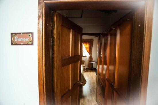 Hostal Normandie : rooms
