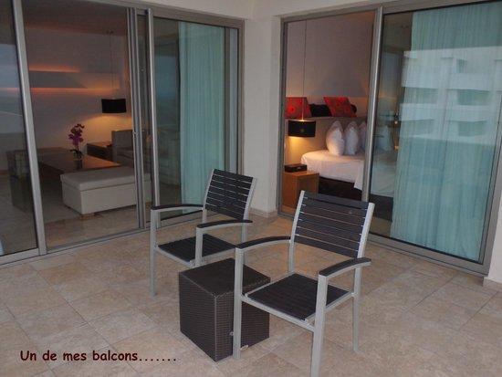 Privilege aluxes chambre 542 du premier balcon vue sur la chambre et la salon
