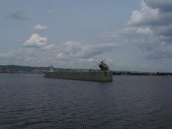 Vista Fleet: Ashtabula being pushed by a Tug