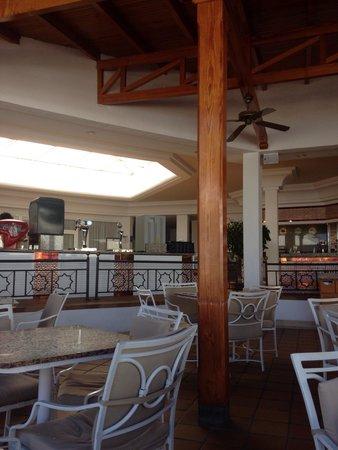 ClubHotel Riu Paraiso Lanzarote Resort: Bar area