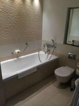 InterContinental London Park Lane: One Bedroom Suite - Bathroom