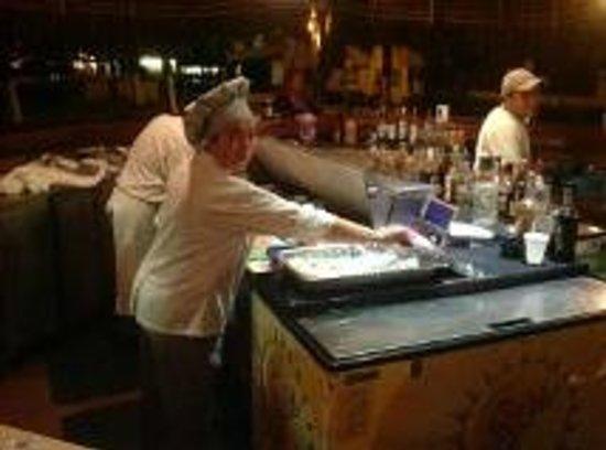 Crown Paradise Golden Resort Puerto Vallarta: Beach bar, sushi every night, very good