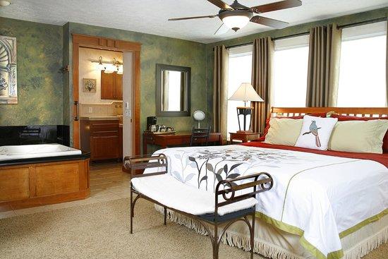 Prairieside Suites: Tuscan Villa