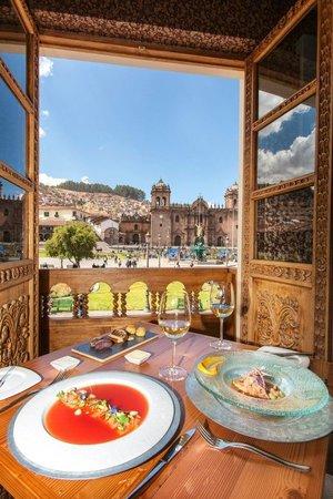 Calle Del Medio Restaurante: Great views of Plaza de Armas