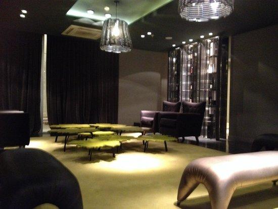 Esplendor Mendoza: Sala do hotel