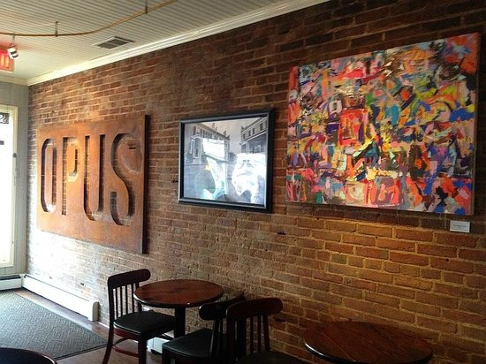 Opus Espresso & Food Bar: Interior