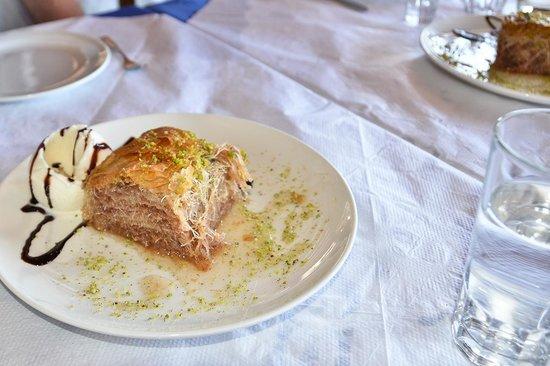 KALLISTI Tavern: delicious dessert